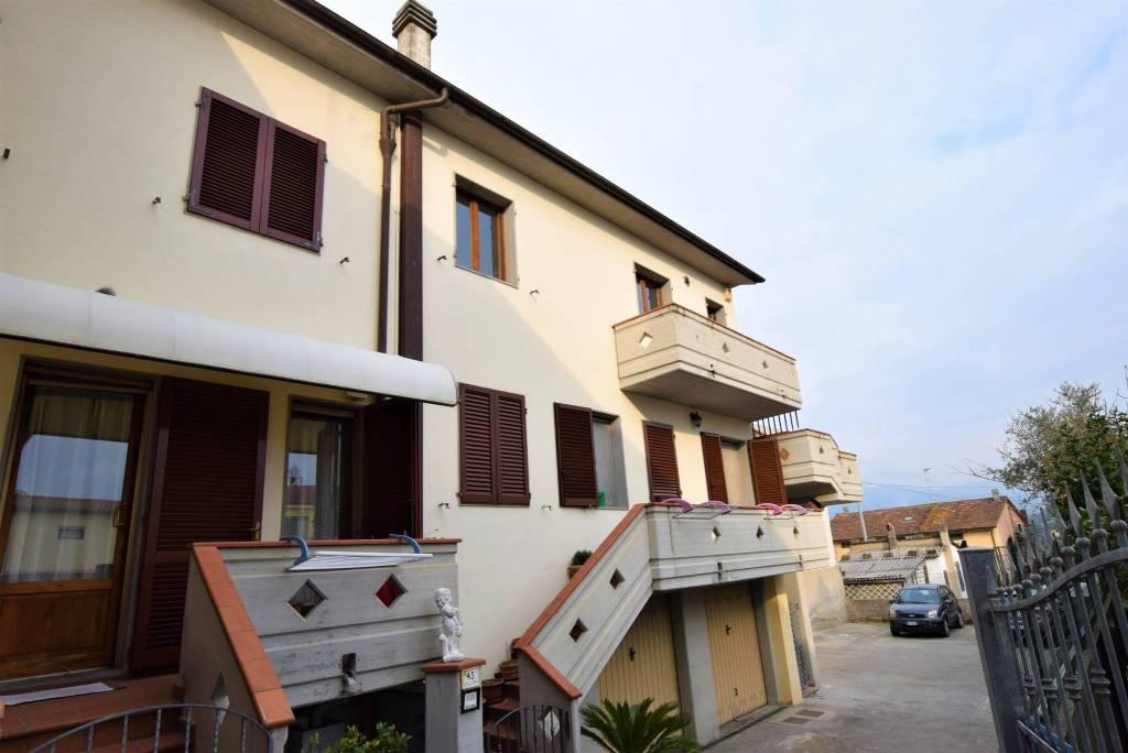 Appartamento in ottime condizioni in vendita Rif. 8468831
