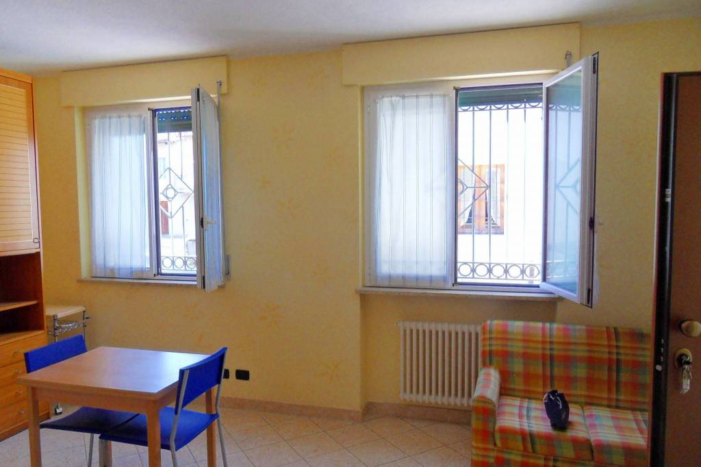 Foto 1 di Casa indipendente via Roma 1, Rodello