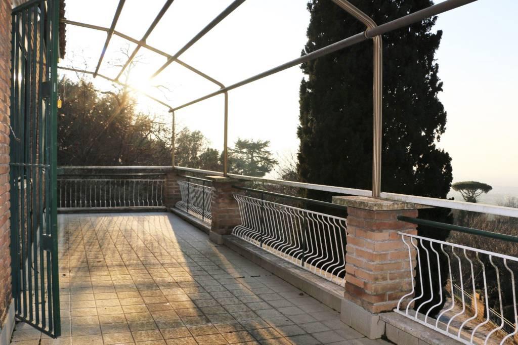 Villa in vendita a Castel Gandolfo, 10 locali, prezzo € 790.000 | CambioCasa.it