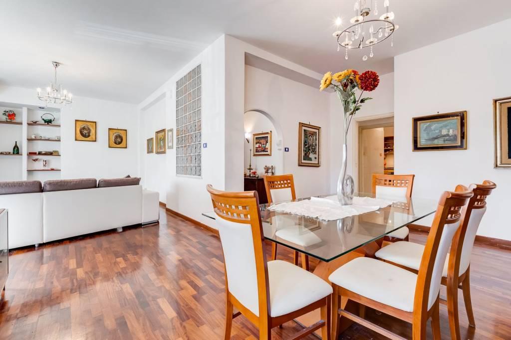 Appartamento in vendita a Roma, 5 locali, prezzo € 420.000   CambioCasa.it