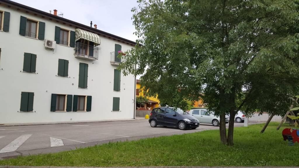 Appartamento in vendita a Marcaria, 4 locali, prezzo € 58.000 | CambioCasa.it
