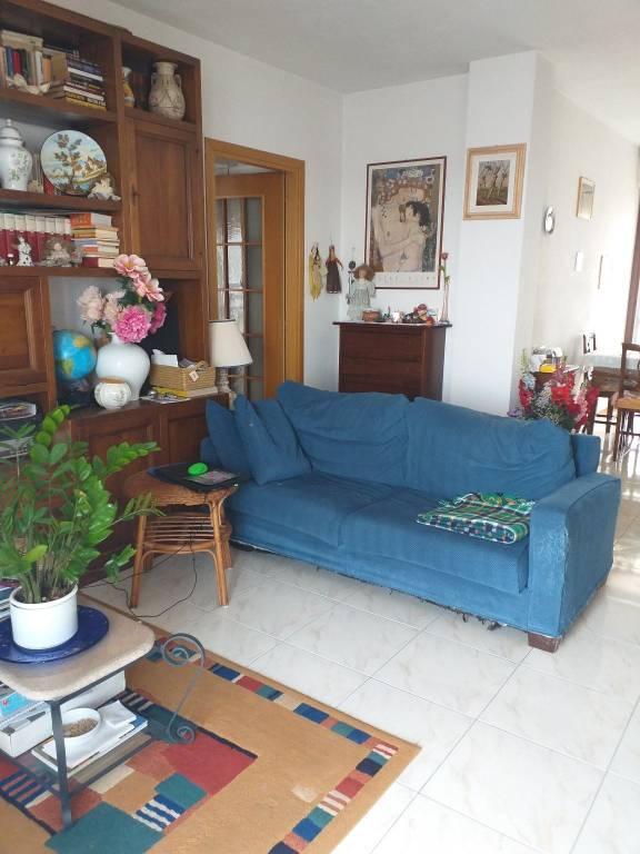 Appartamento in ottime condizioni in vendita Rif. 7493748