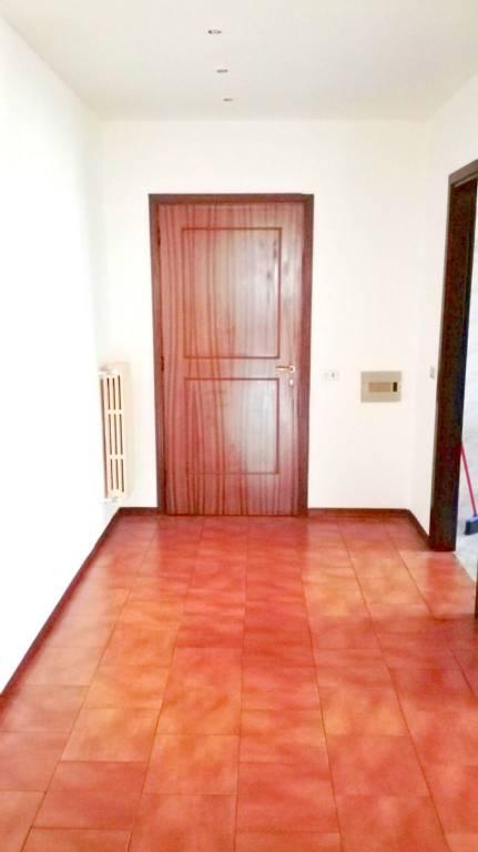 Appartamento in ottime condizioni arredato in affitto Rif. 8936325