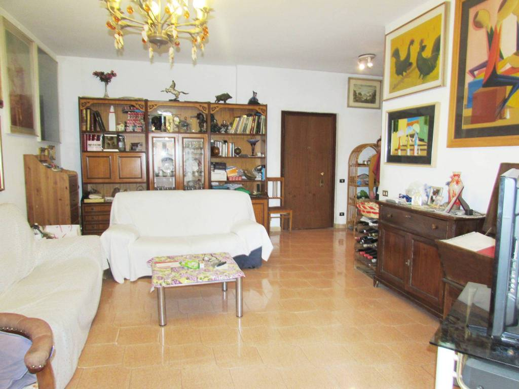 Appartamento in vendita a Bresso, 3 locali, prezzo € 115.000 | CambioCasa.it