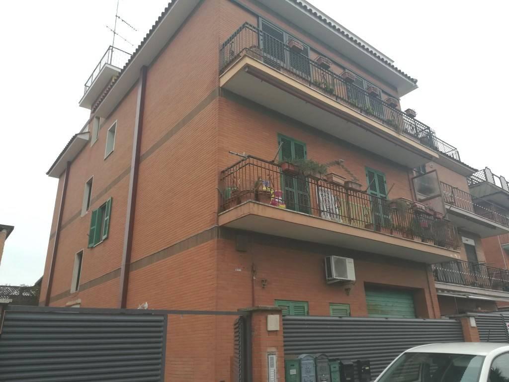 Appartamento in vendita a Roma, 4 locali, zona Zona: 27 . Aurelio - Boccea, prezzo € 205.000   CambioCasa.it