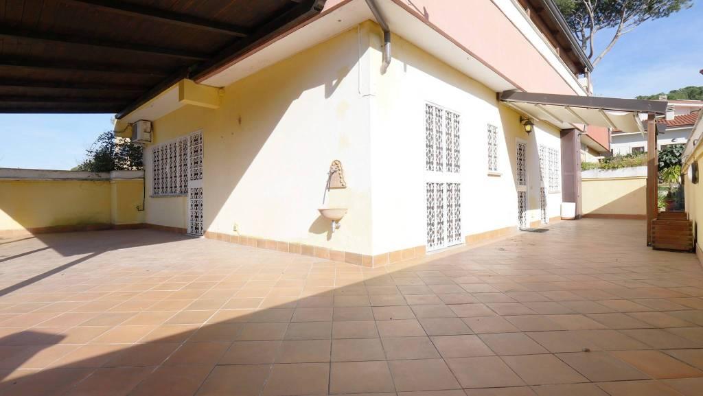 Villa in vendita a Roma, 6 locali, prezzo € 399.000 | CambioCasa.it