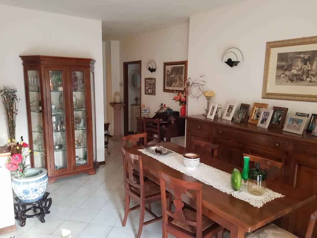 Appartamento in vendita a Pontremoli, 6 locali, prezzo € 100.000 | PortaleAgenzieImmobiliari.it