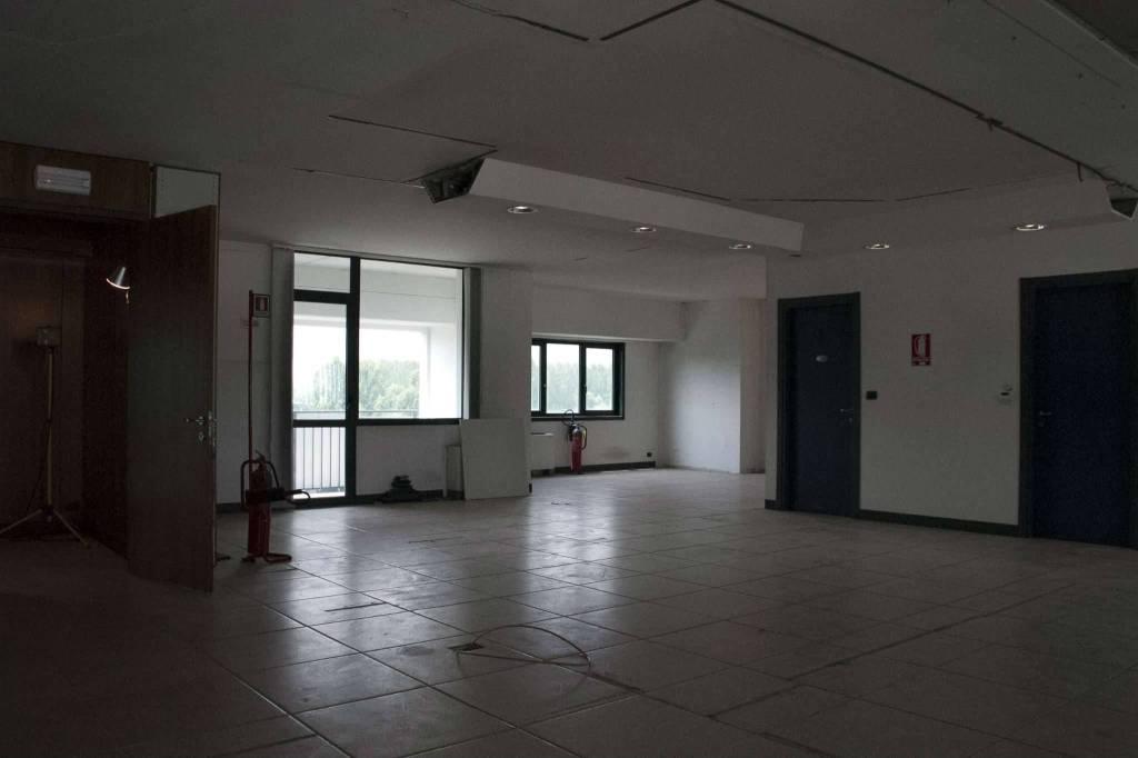 Ufficio / Studio in affitto a Avigliana, 1 locali, prezzo € 2.300 | CambioCasa.it