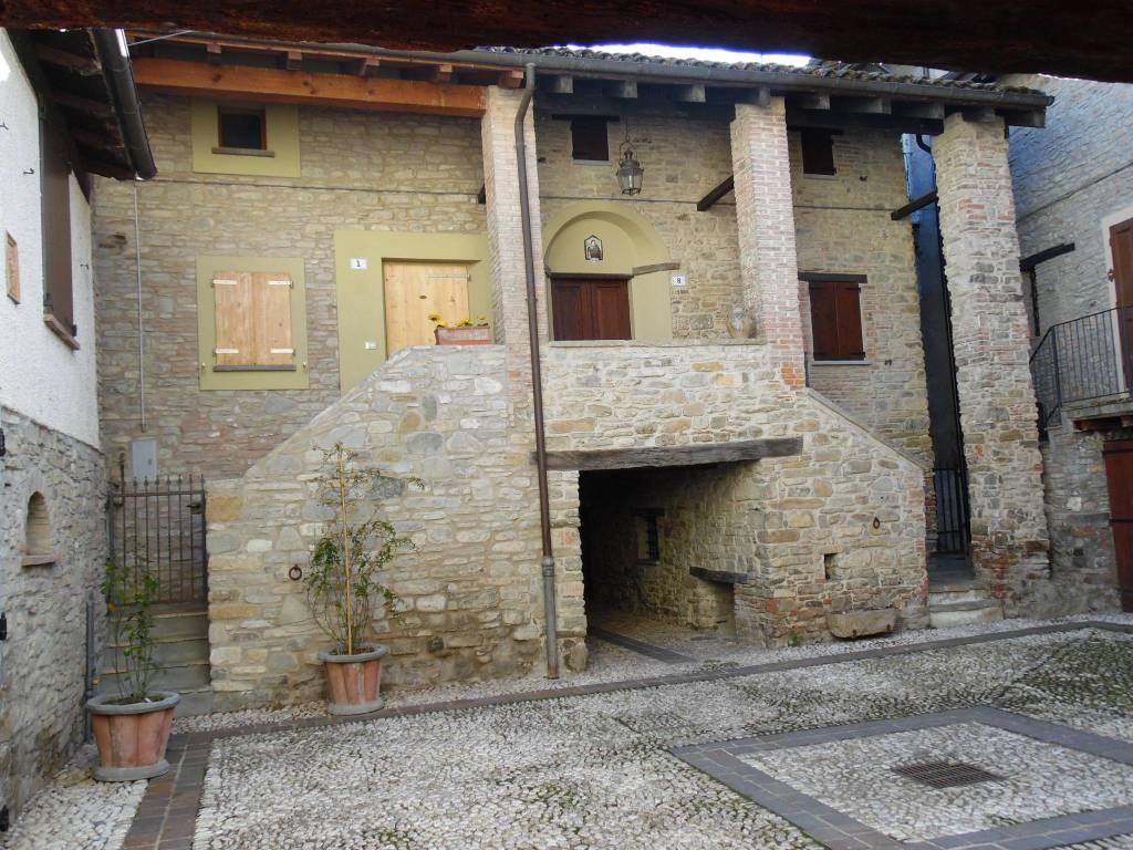 Foto 1 di Trilocale vicolo del Voltone, Valsamoggia