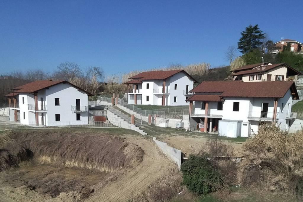 Foto 1 di Villa via Mondo, Montechiaro D'asti