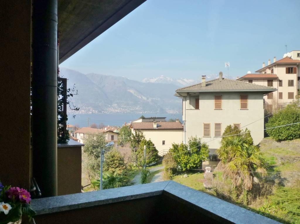 Foto 1 di Trilocale via Valvarrone, Dervio