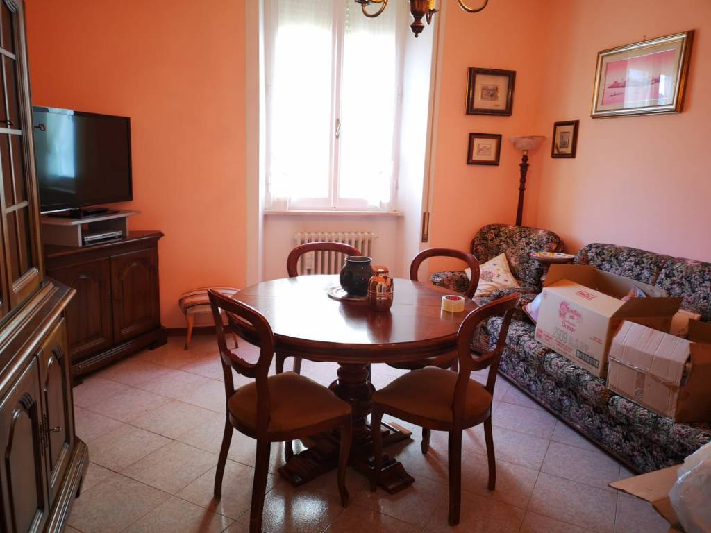 Appartamento in affitto a Spoleto, 4 locali, prezzo € 500 | CambioCasa.it