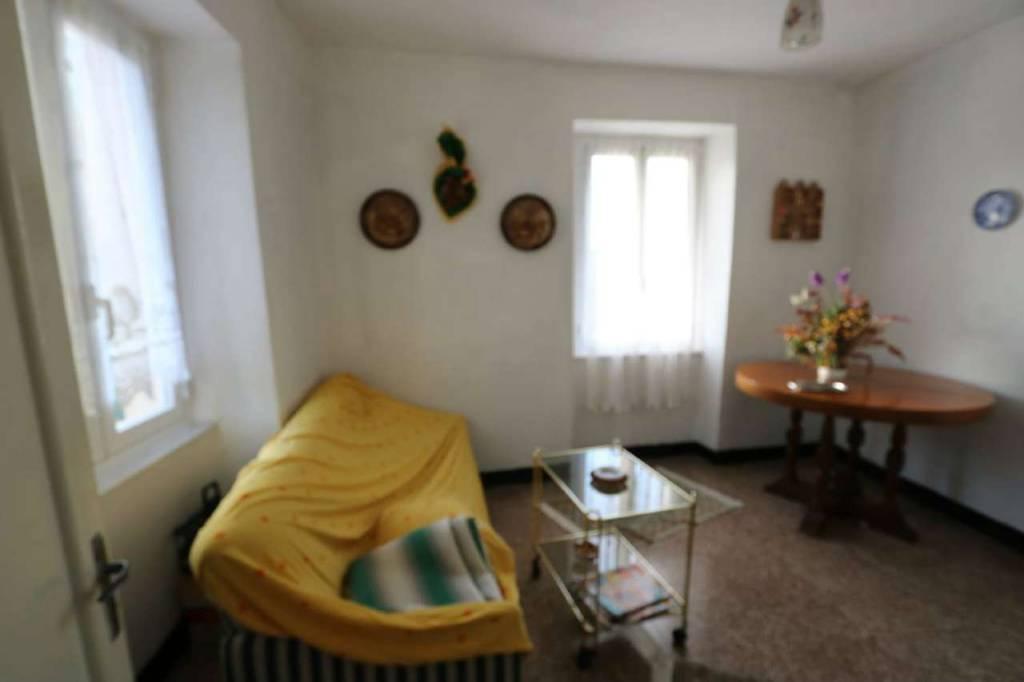 Soluzione Indipendente in vendita a Vobbia, 6 locali, prezzo € 25.000 | CambioCasa.it