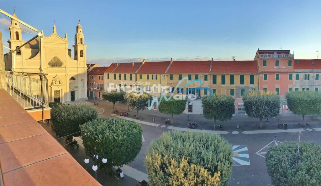 Attico nel cuore del centro storico con ampia terrazza