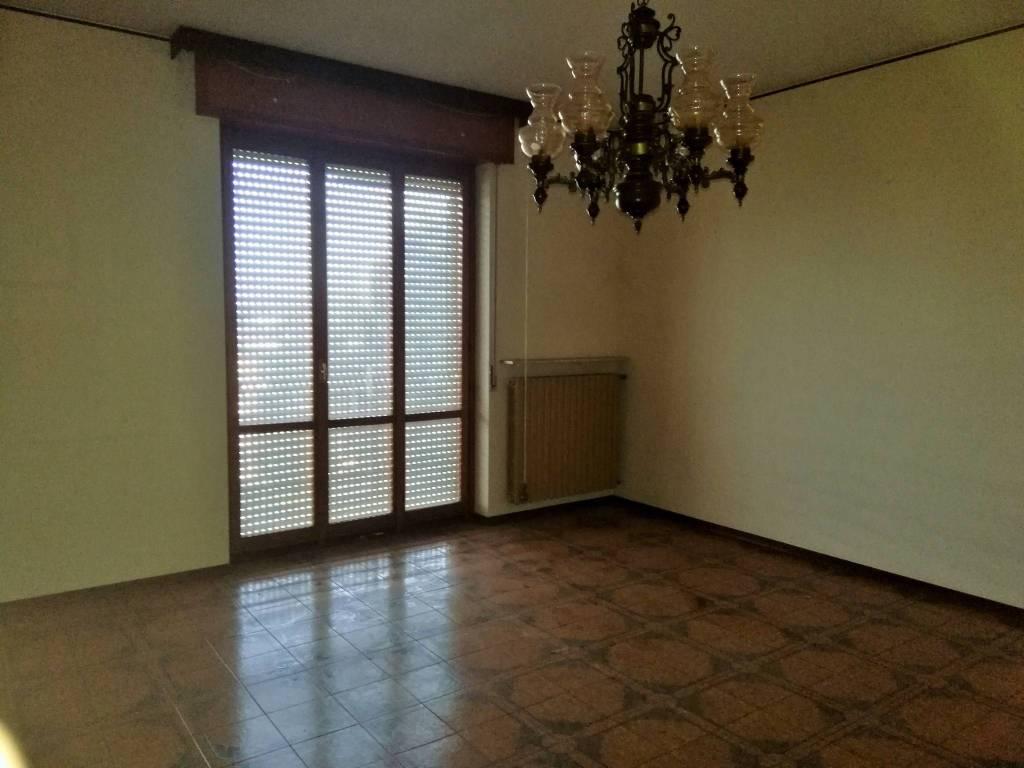 Appartamento in Vendita a Carpaneto Piacentino: 5 locali, 123 mq
