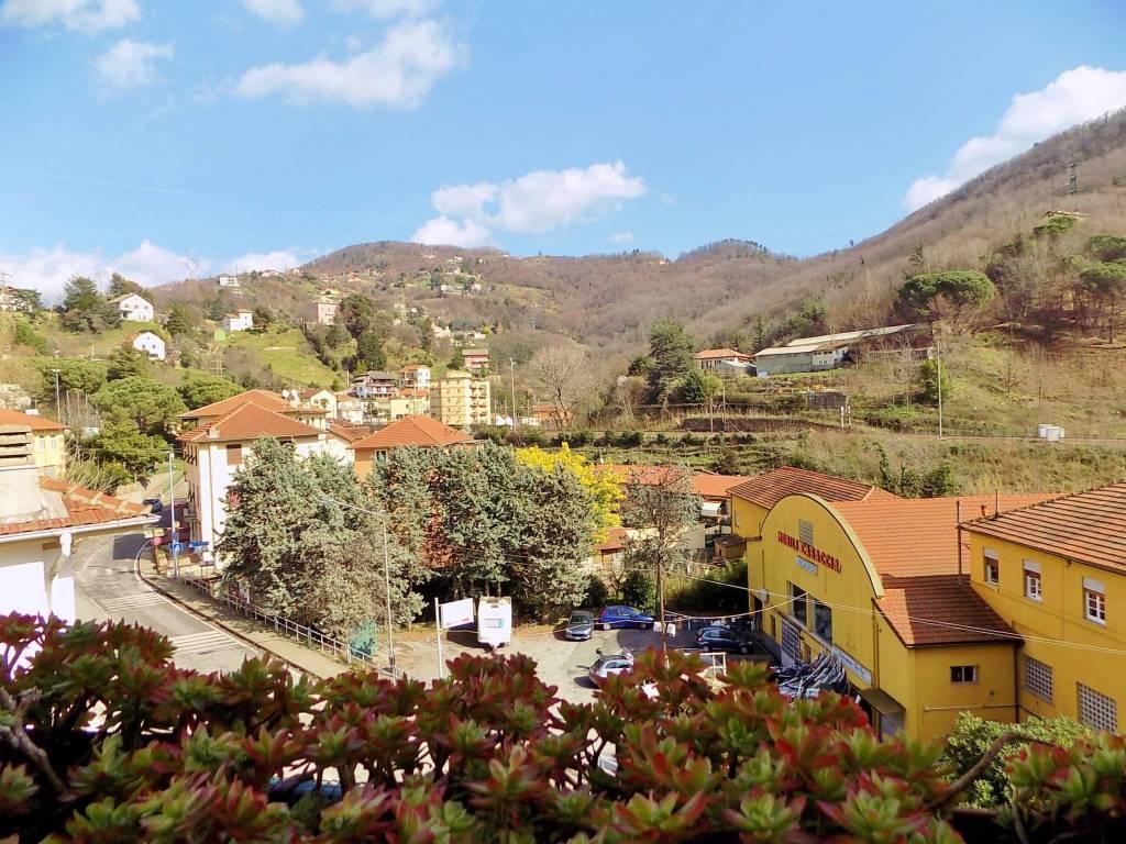 Foto 1 di Bilocale via Vittorio Veneto, frazione Vetrerie, Mignanego