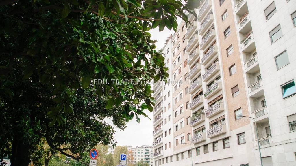 Appartamento in Vendita a Milano 02 Brera / Volta / Repubblica:  3 locali, 160 mq  - Foto 1