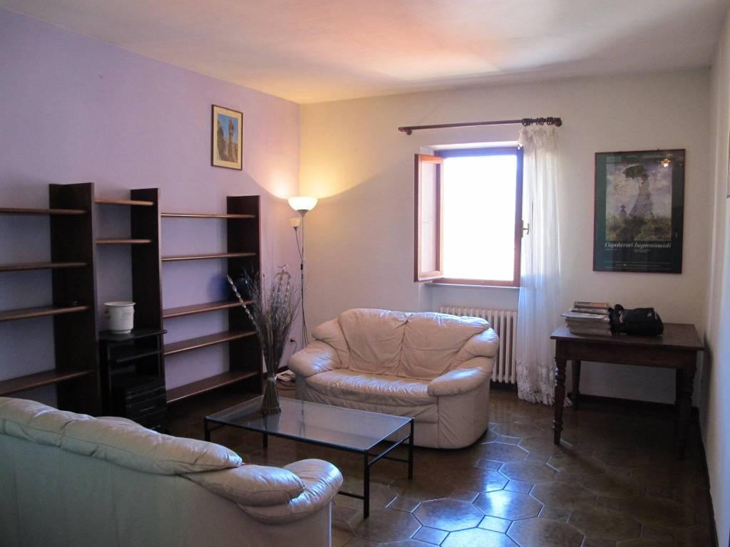 Appartamento in Vendita a Pistoia Centro: 4 locali, 95 mq