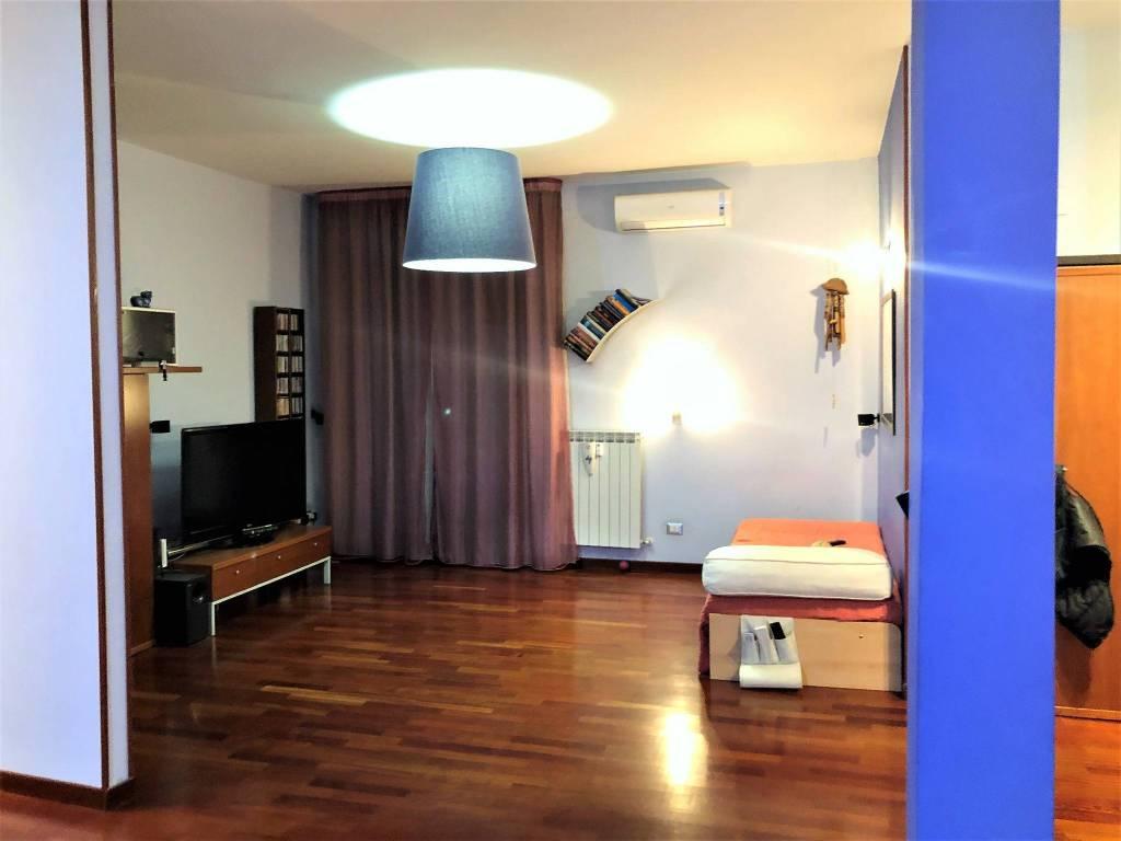 Appartamento in vendita a Calenzano, 5 locali, prezzo € 199.000 | PortaleAgenzieImmobiliari.it