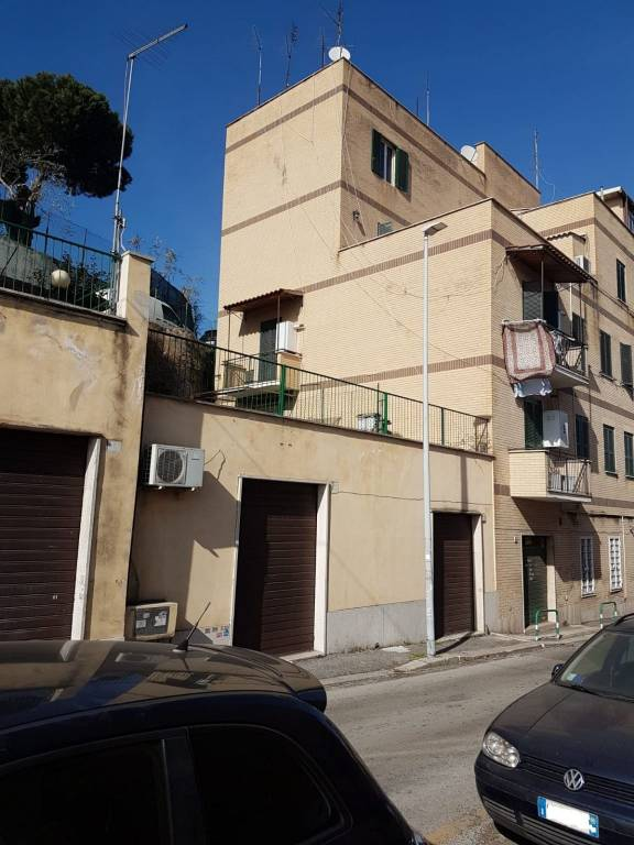 Appartamento in vendita a Roma, 2 locali, zona Zona: 33 . Quarto Casale, Labaro, Valle Muricana, Prima Porta, prezzo € 110.000 | CambioCasa.it