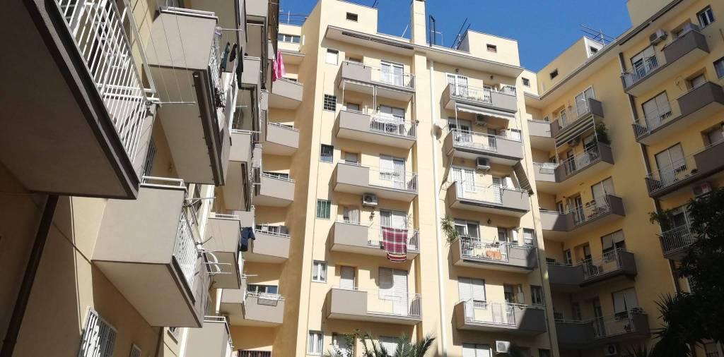 Appartamento in vendita a Roma, 3 locali, zona Zona: 12 . Cinecittà,Don Bosco, Lucrezia Romana, prezzo € 277.000 | CambioCasa.it