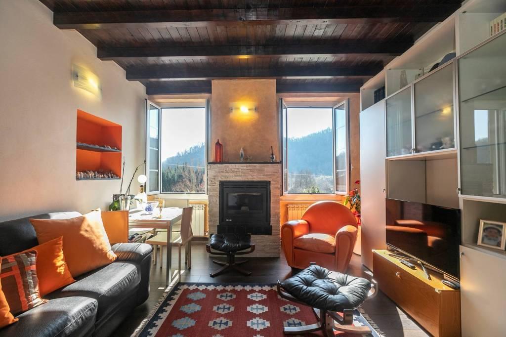 Foto 1 di Appartamento via Davide Norero, frazione San Colombano, San Colombano Certenoli