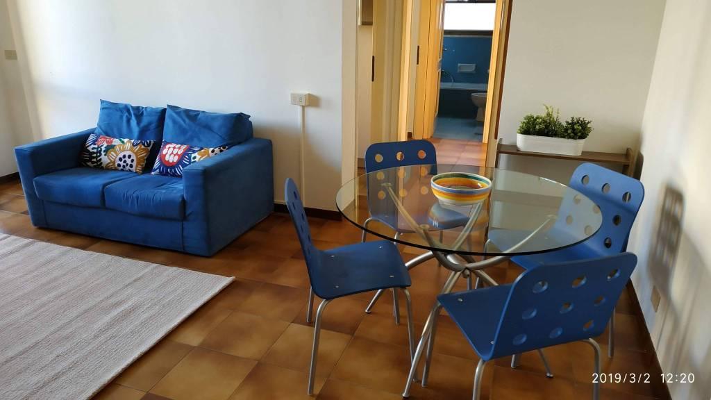 Attico / Mansarda in buone condizioni arredato in affitto Rif. 9288279