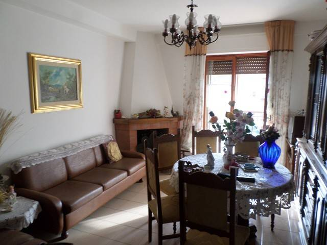 Appartamento in Vendita a Castiglione Del Lago: 2 locali, 75 mq