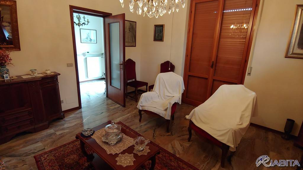 Villa in Affitto a Piacenza Periferia Ovest: 3 locali, 240 mq