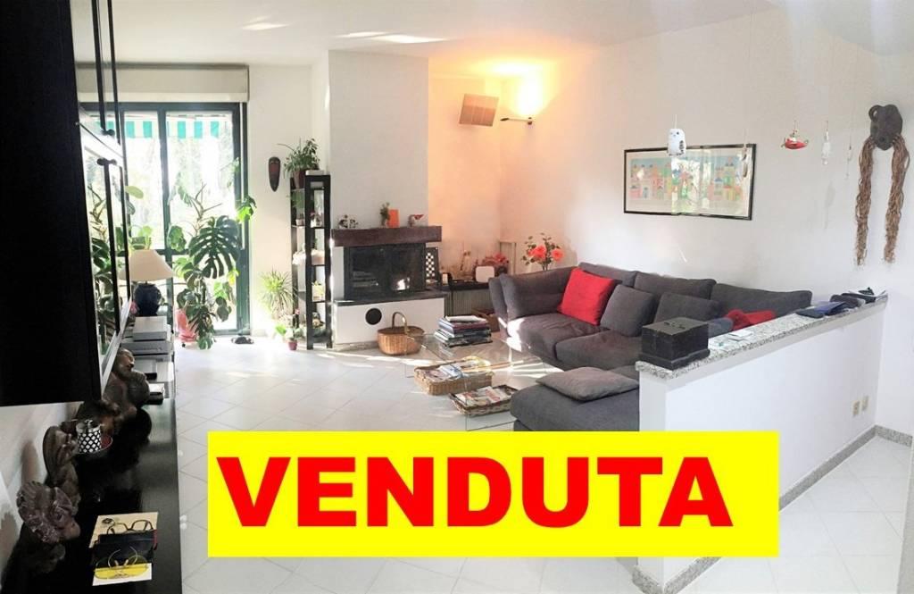 Appartamento in ottime condizioni in vendita Rif. 7493634