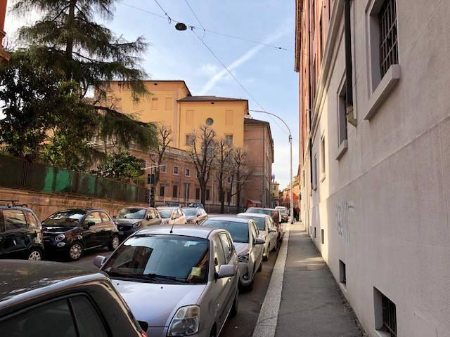 Foto 1 di Appartamento via Vascelli, Bologna (zona Colli)