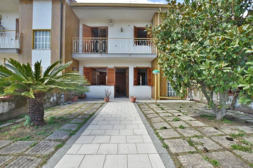 Villa in Vendita a Pedara Centro:  5 locali, 200 mq  - Foto 1