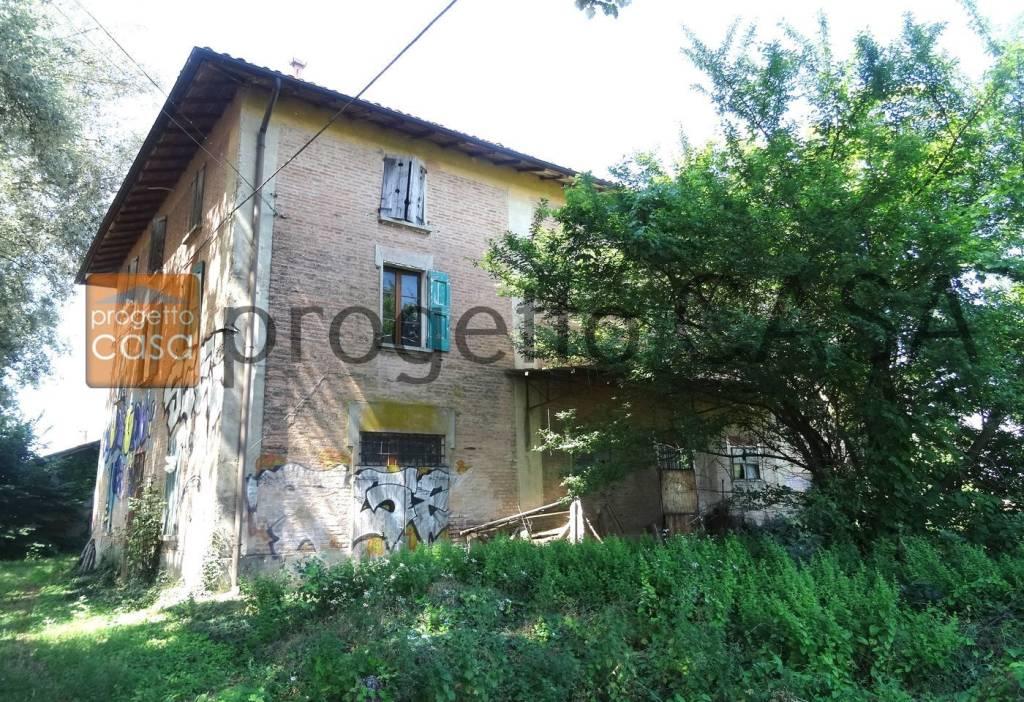 Rustico / Casale da ristrutturare in vendita Rif. 8888513