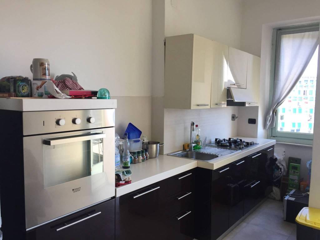 Immagine immobiliare CORSO TRAPANI 45 Proponiamo in vendita appartamento sito in Corso Trapani 45 al piano 5*, comodo a tutti i principali servizi : metro fermata Rivoli raggiungibile a piedi in 5 minuti , meno di 3 km politecnico di Torino . appartamento...