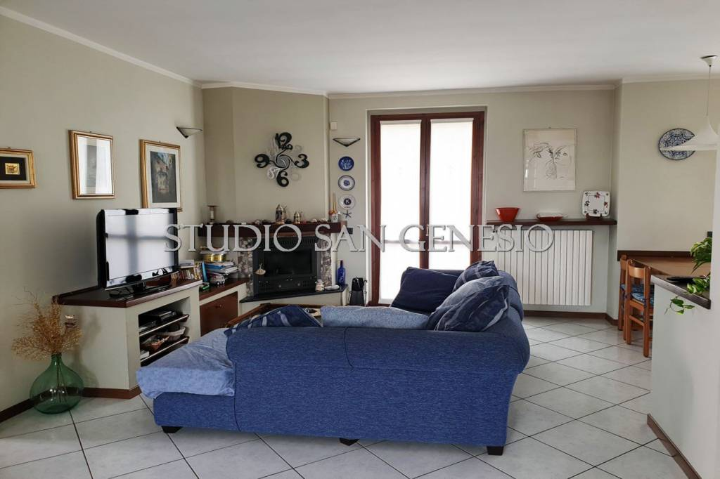 Appartamento in vendita a Cura Carpignano, 4 locali, prezzo € 160.000 | CambioCasa.it