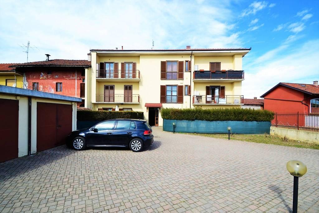 Foto 1 di Quadrilocale via San Giovanni Bosco, Piscina