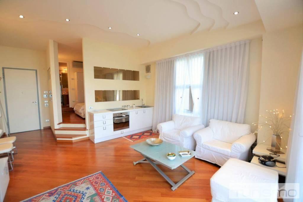 Appartamento in Vendita a Riccione Centro: 2 locali, 70 mq