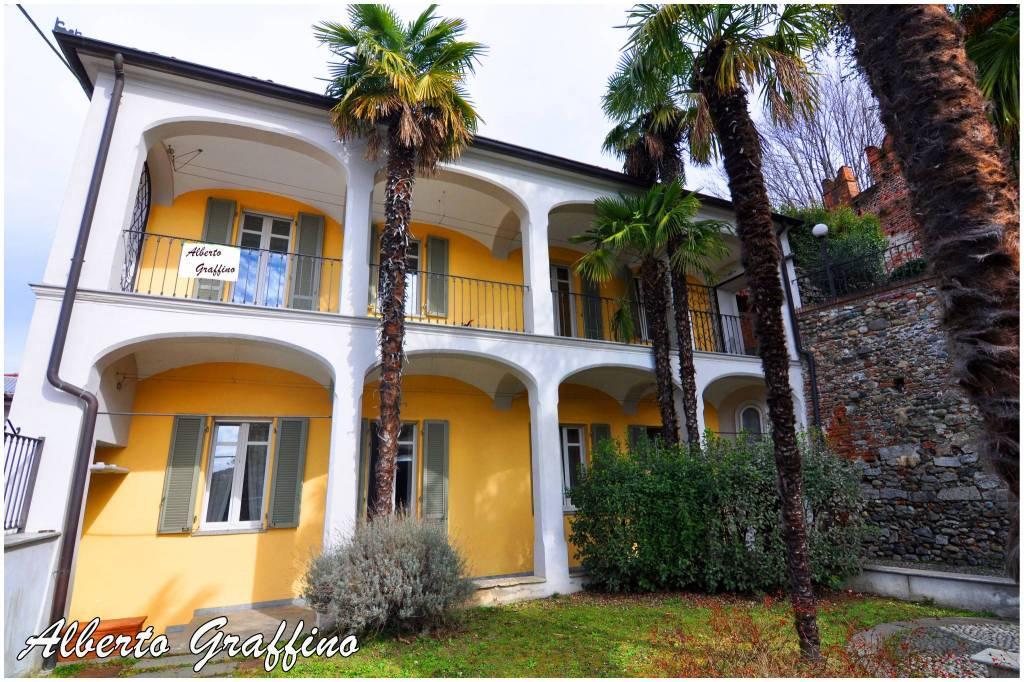 Palazzo / Stabile in vendita a Moncrivello, 6 locali, prezzo € 549.000   CambioCasa.it