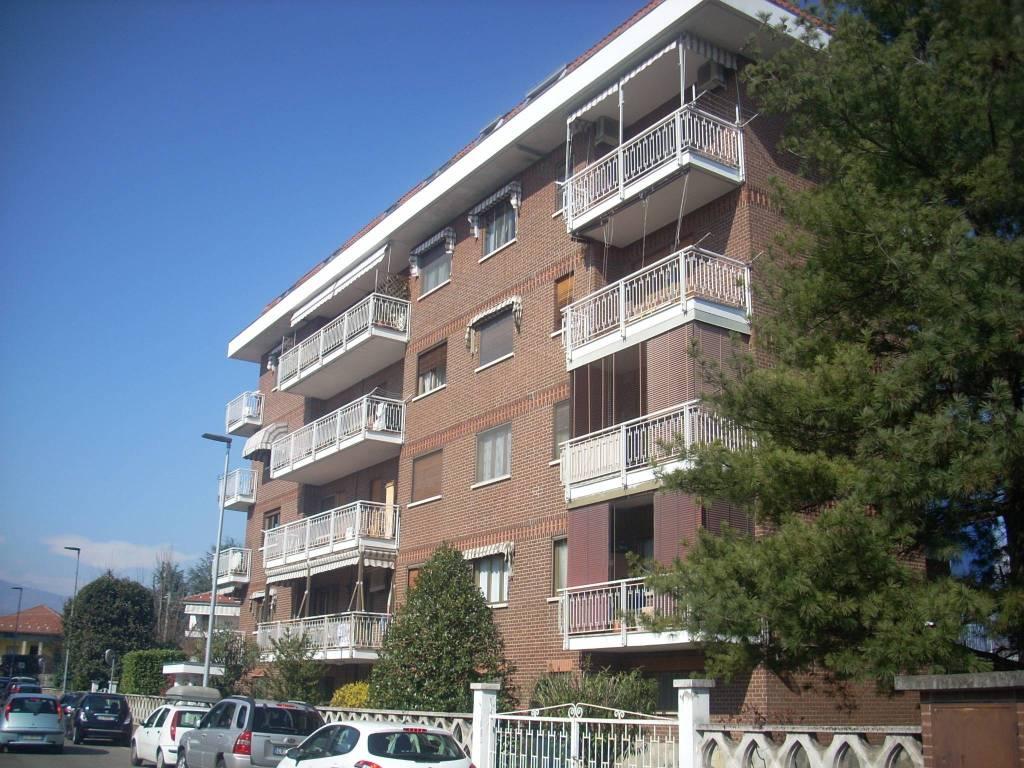 Foto 1 di Bilocale via Ciamarella 1, Ciriè