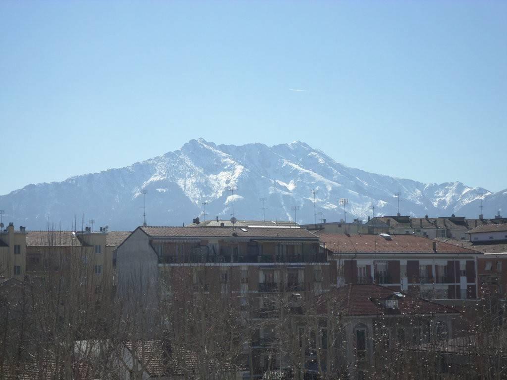 Foto 1 di Trilocale via Giovanni Battista Bongioanni 2, Cuneo