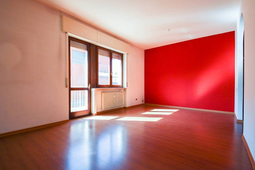 Appartamento in buone condizioni in vendita Rif. 4530499