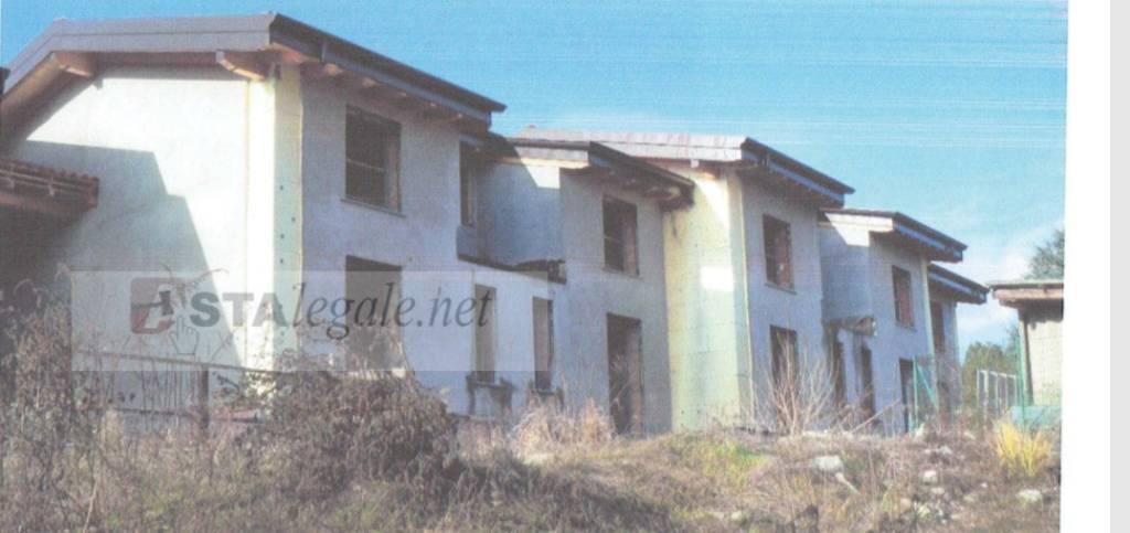 Villa in vendita a Monguzzo, 9999 locali, prezzo € 237.000 | CambioCasa.it
