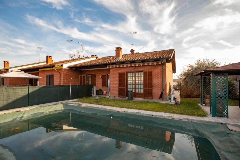 Foto 1 di Villa strada Cascina Rossa, Torrazza Piemonte