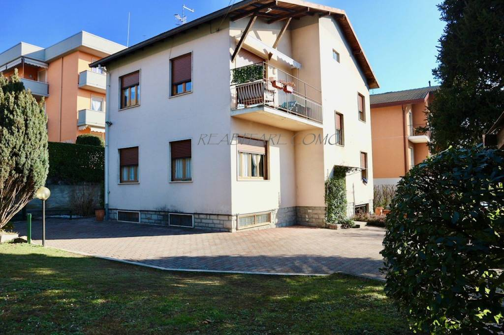 Villa in vendita a Lipomo, 5 locali, prezzo € 335.000 | CambioCasa.it