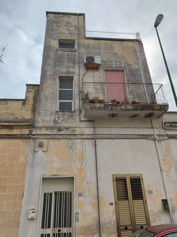 Appartamento in Vendita a Cavallino Centro: 5 locali, 250 mq