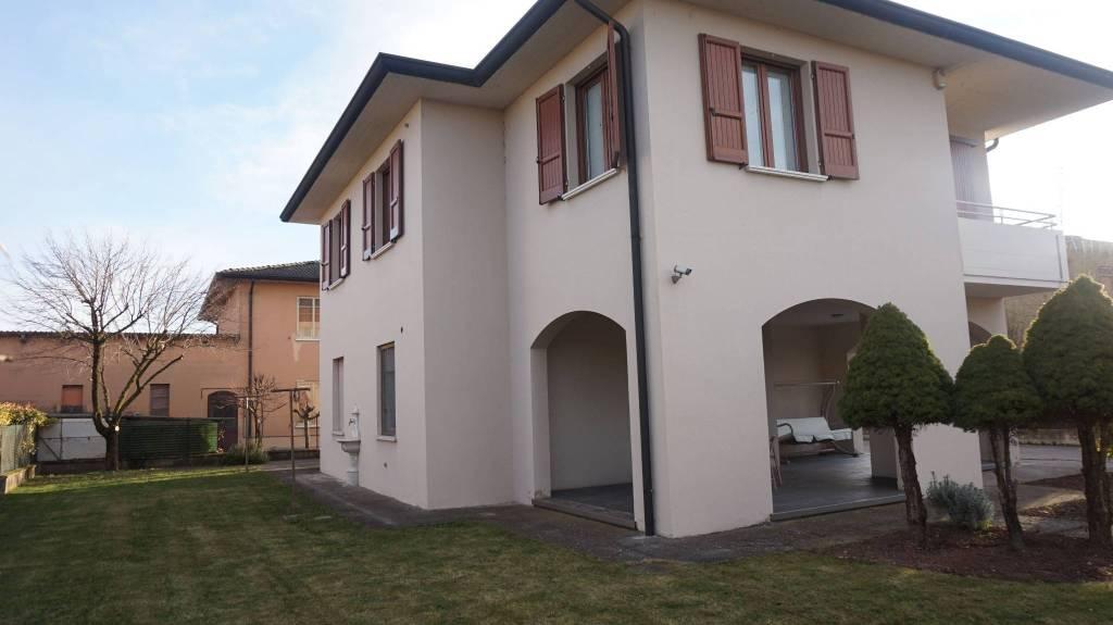 Villa in vendita a Leno, 5 locali, prezzo € 247.000 | CambioCasa.it
