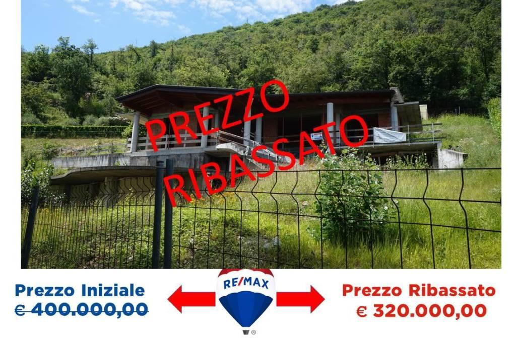 Villa in vendita a Villanuova sul Clisi, 6 locali, prezzo € 400.000 | CambioCasa.it