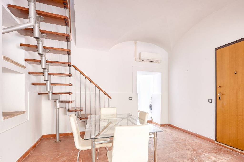 Appartamento in ottime condizioni parzialmente arredato in affitto Rif. 8185380