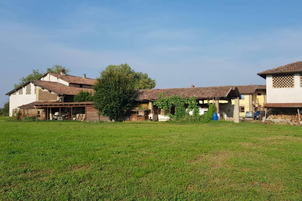 Rustico / Casale in vendita a Dovera, 16 locali, prezzo € 480.000 | PortaleAgenzieImmobiliari.it
