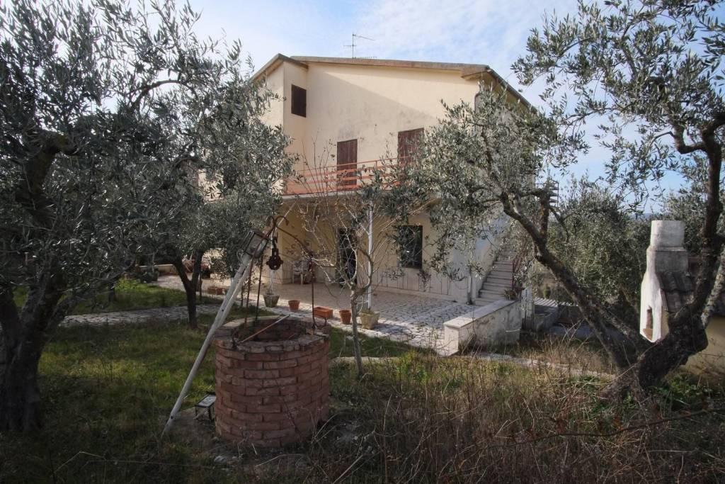Villa in affitto a Monteleone Sabino in Via Monteleone